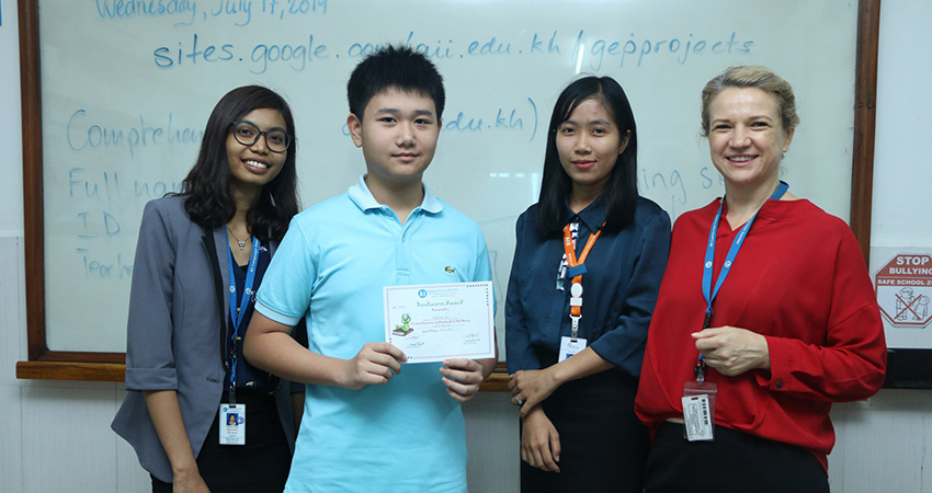 Certificate of Achievement & Bookworm Certificate Delivery