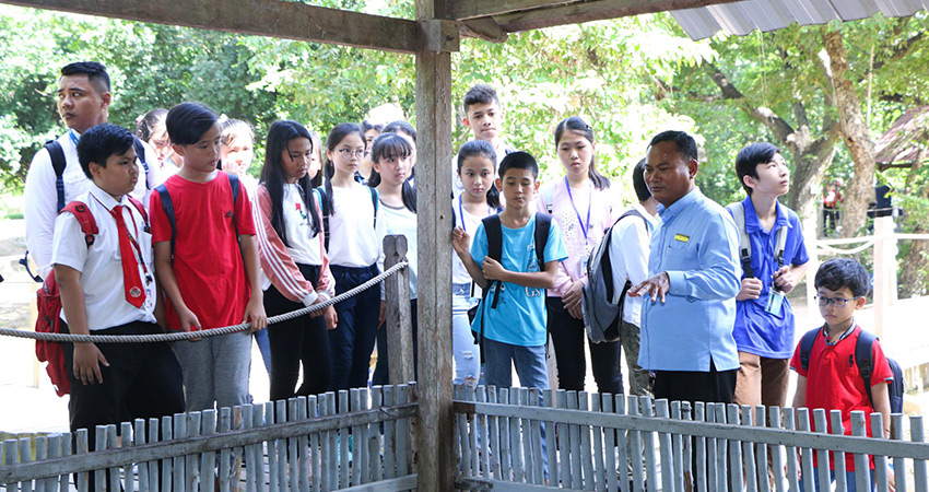 Community Project to Choeung Ek